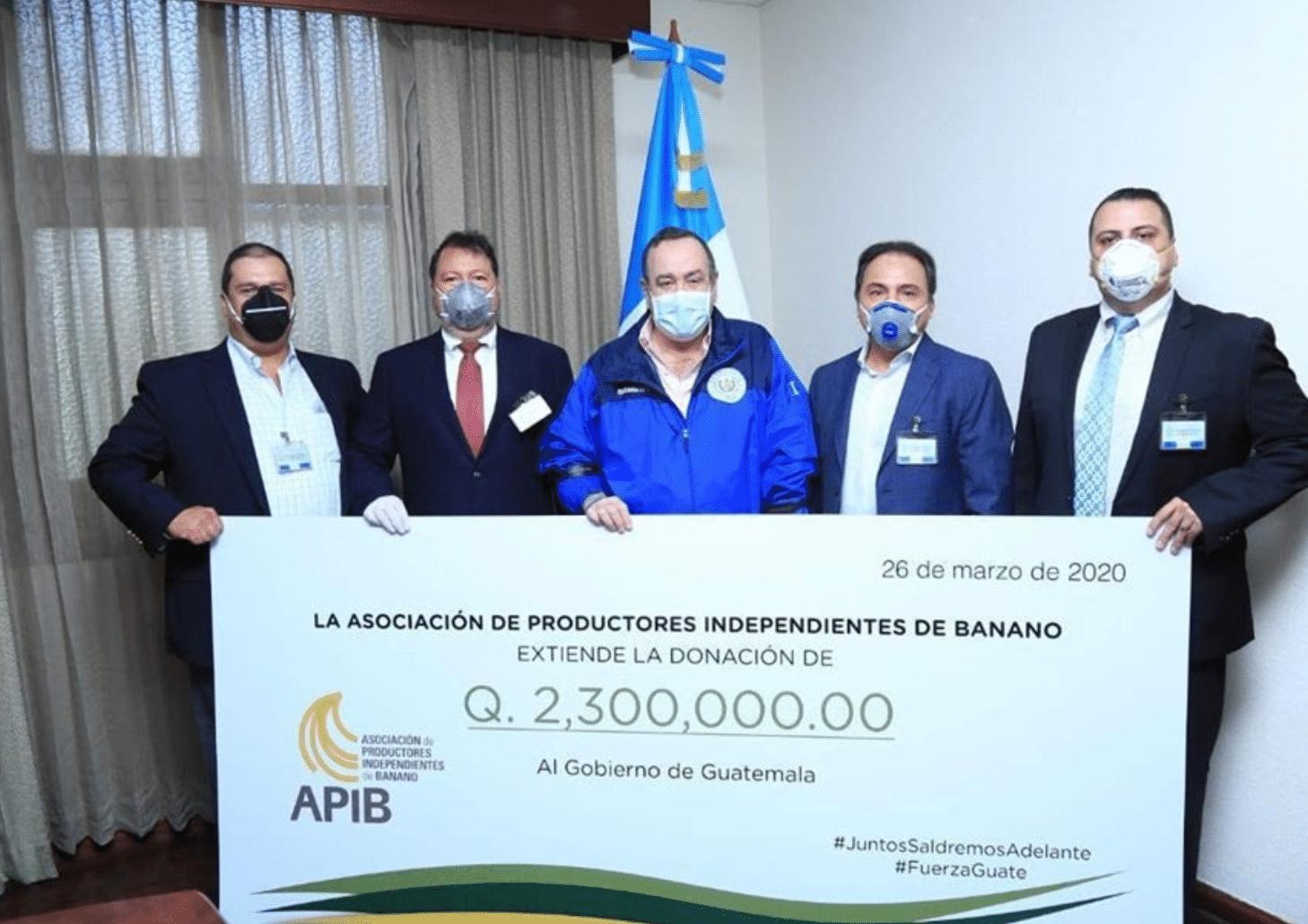 Foto_2_Donación_APIB